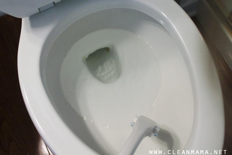 Clean Toilets via Clean Mama