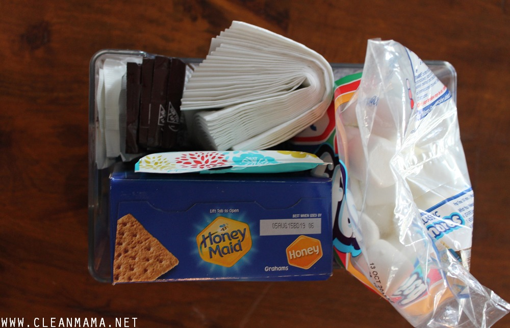 Put Together a S'mores Caddy via Clean Mama