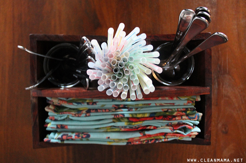 Simplify Mealtimes with a Cutlery Caddy - Clean Mama