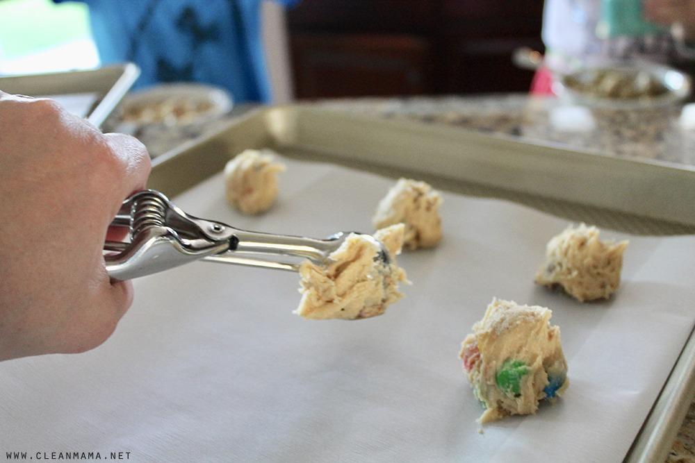 scoop-dough-clean-mama