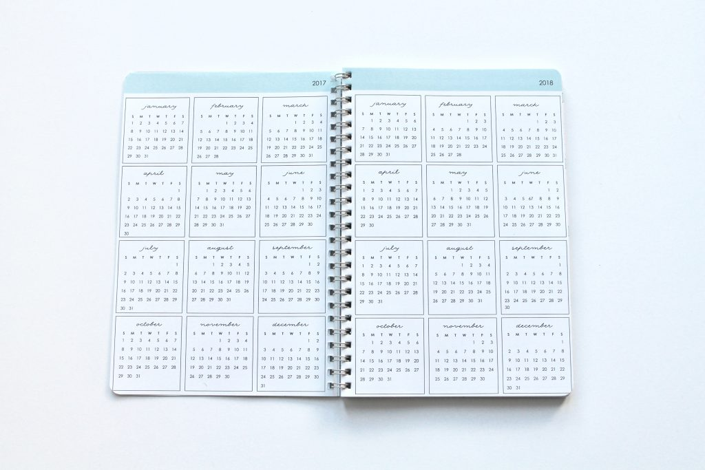 Clean Mama Planner - at a glance calendars