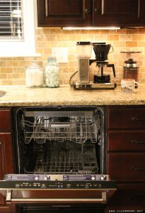 Everyday Tips : Empty the Dishwasher While Your Coffee is Brewing